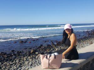 Sara an der Küste